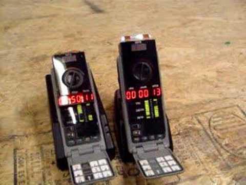 Deux exemple de minuteurs, ces appareils permettant d'ouvrir des passages entre les mondes